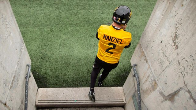 Johnny-Manziel-takes-the-field-for-the-first-time-as-a-member-of-the-Hamilton-Tiger-Cats.
