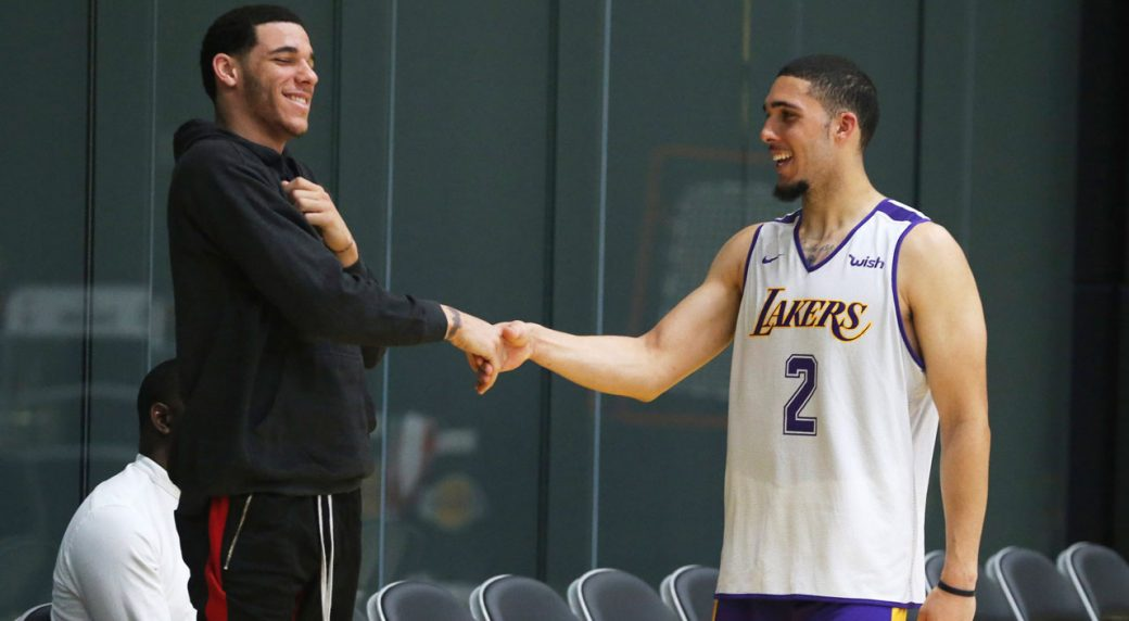 LiAngelo Ball works out for Lakers with Lonzo looking on | AP sports