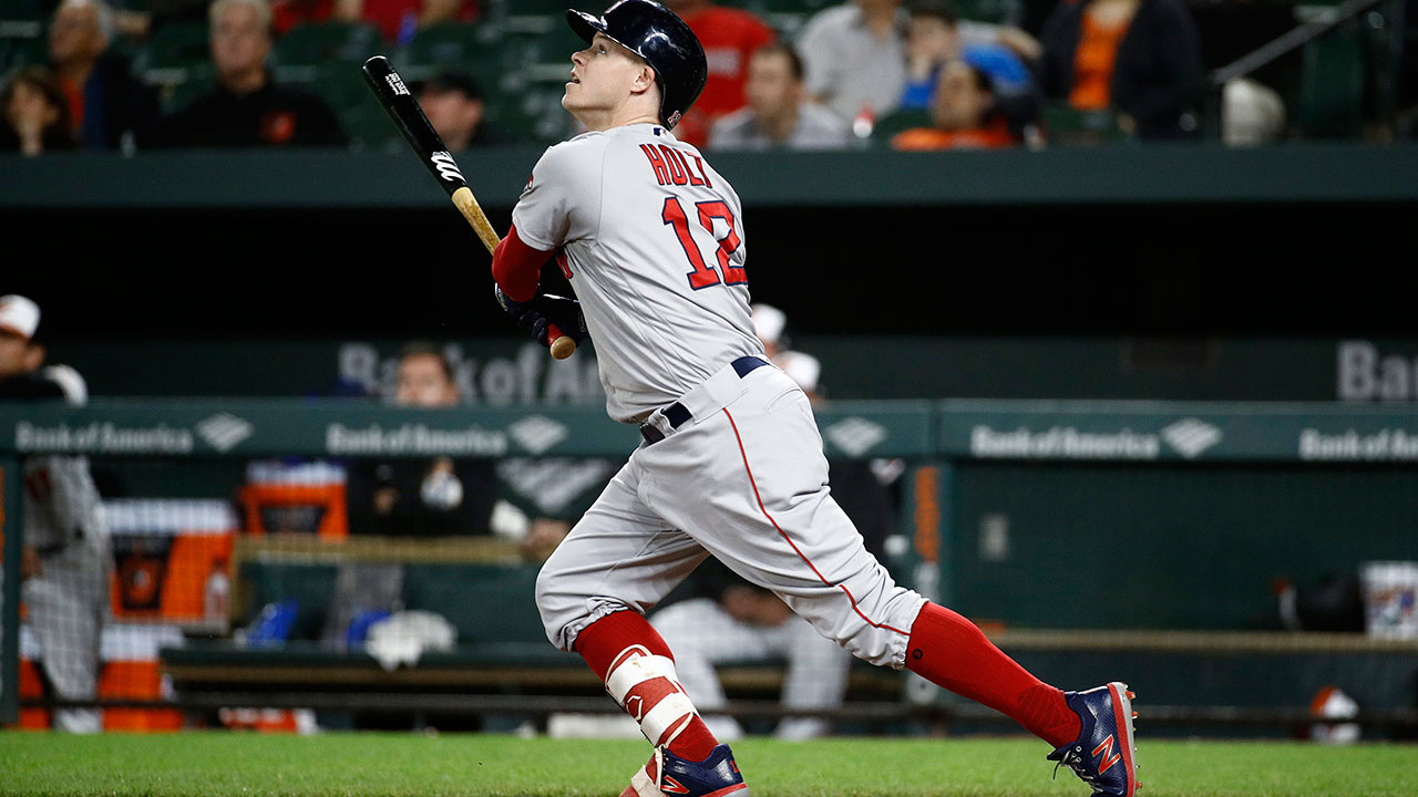 Brock Holt's pinch-hit homer lifts Red Sox over Phillies