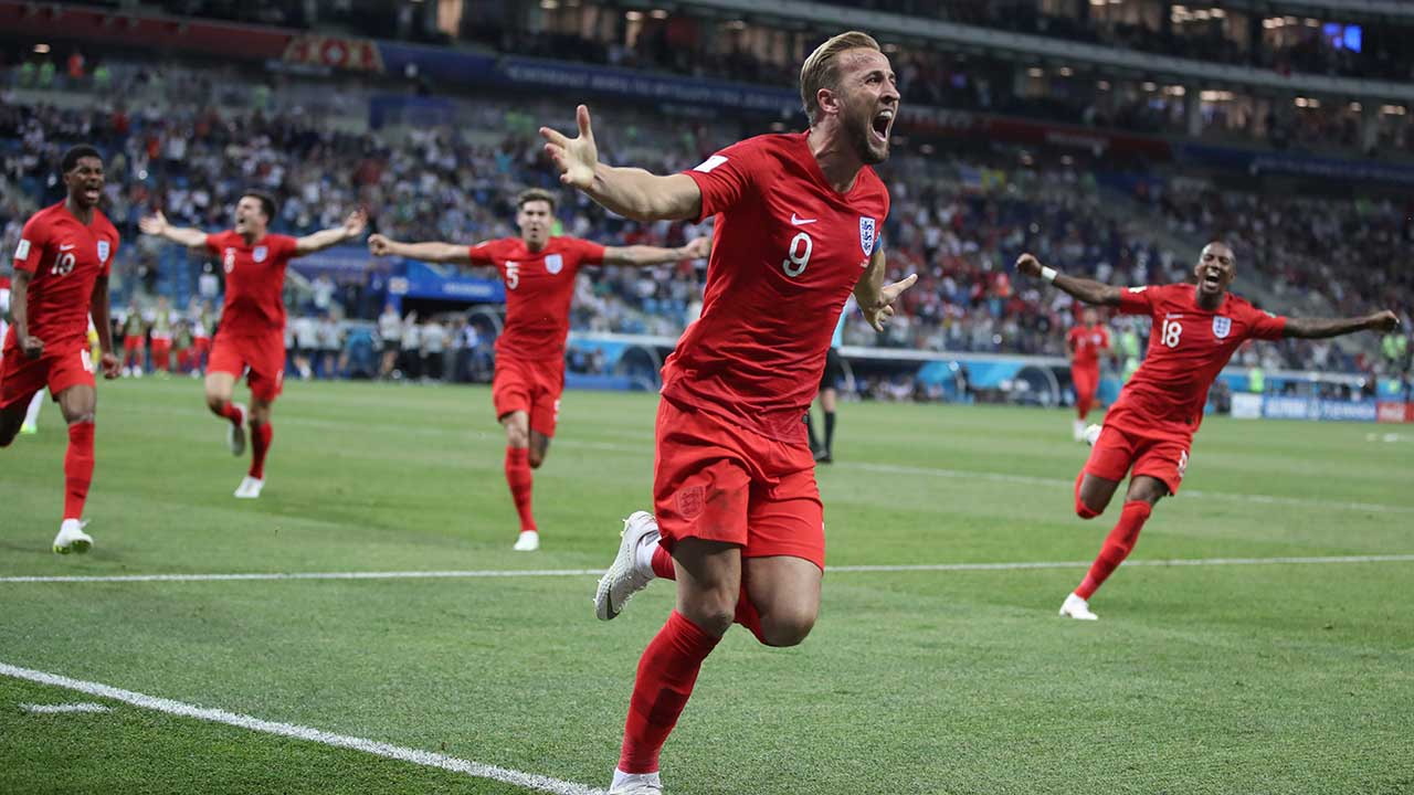 kane's late winner lifts england over tunisia at world cup