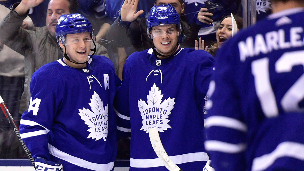 Maple Leafs, Lightning tied atop Stanley Cup odds as camps approach