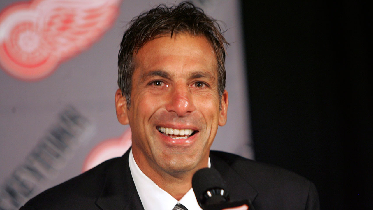 Former-red-wings-player-chris-chelios-1