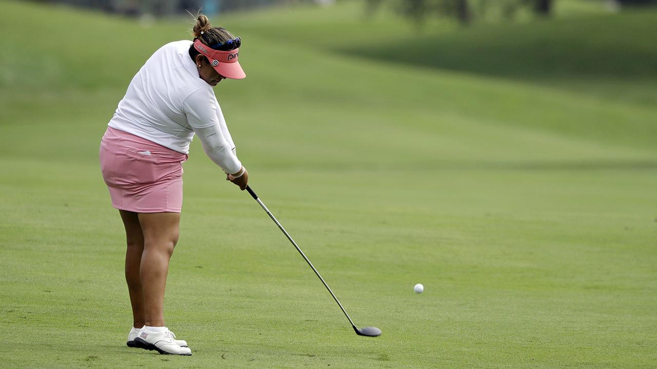 Salas shoots 62 to tie course record, take Indy LPGA lead