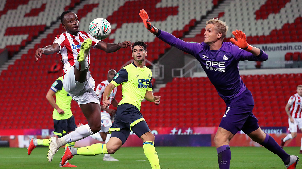 Stoke City beats Huddersfield Town in English League Cup