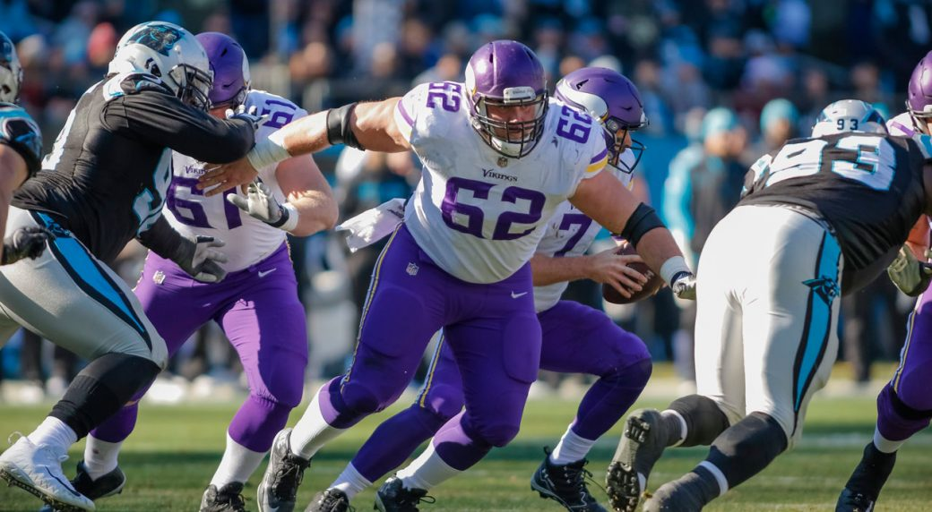 Vikings G Nick Easton likely to miss 2018 season with neck injury
