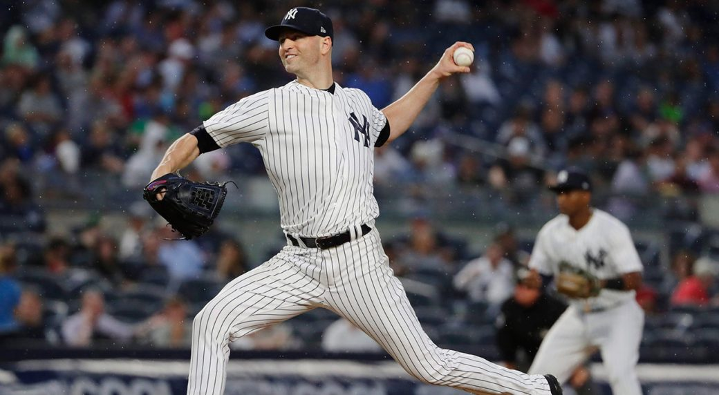 Yankees reportedly looking to add two starting pitchers