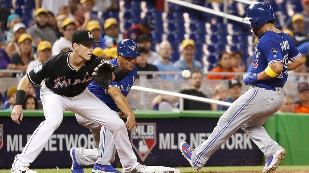 Baseball buff twink beats off his bat