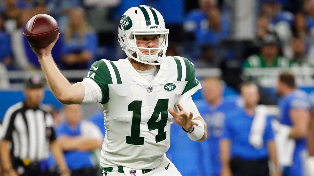 Darnold recovers from 1st-play pick-6, helps Jets rout Lions