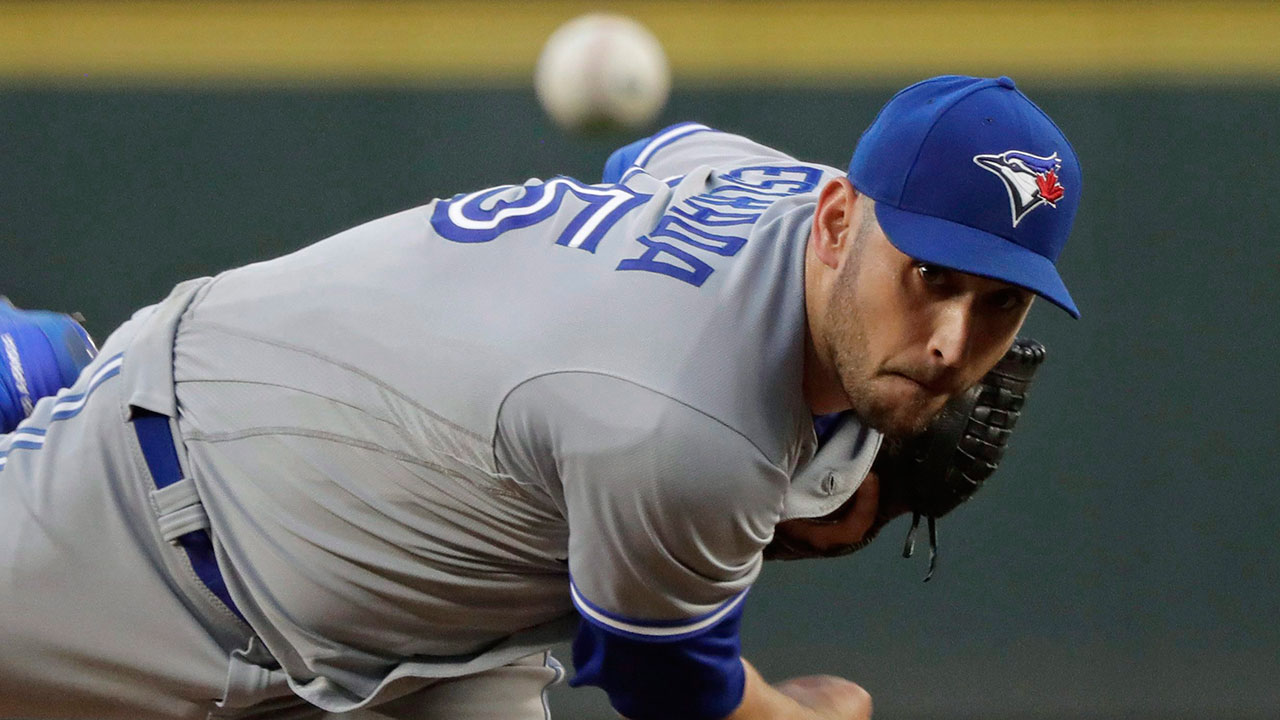 marco_estrada_throws_a_pitch_against_the_seattle_mariners