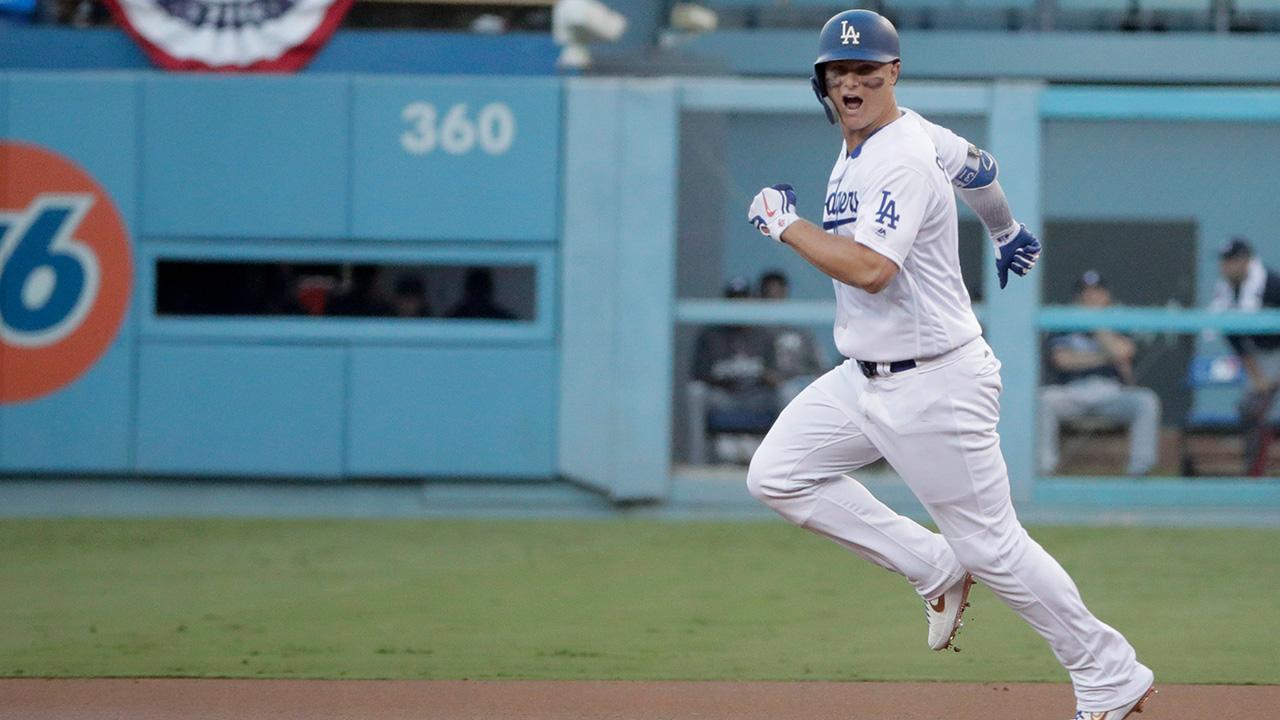 Mlb-baseball-dodgers-pederson-runs-bases
