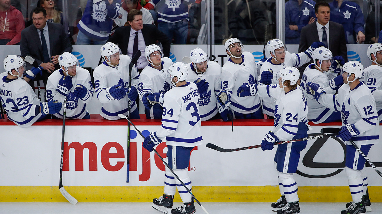 bff74c179e3 Tavares scores hat trick as Maple Leafs win wild one vs. Blackhawks ...
