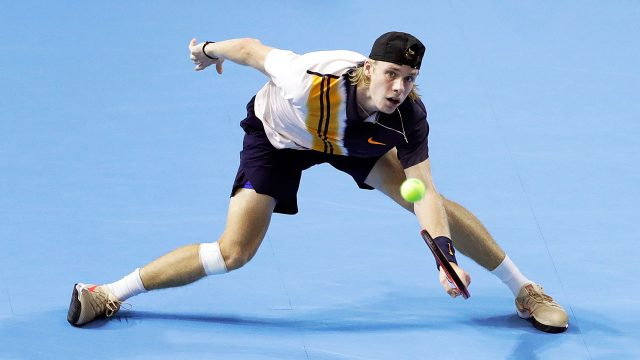 Tennis-Shapovalov-playing-at-Japan-Open-semifinals