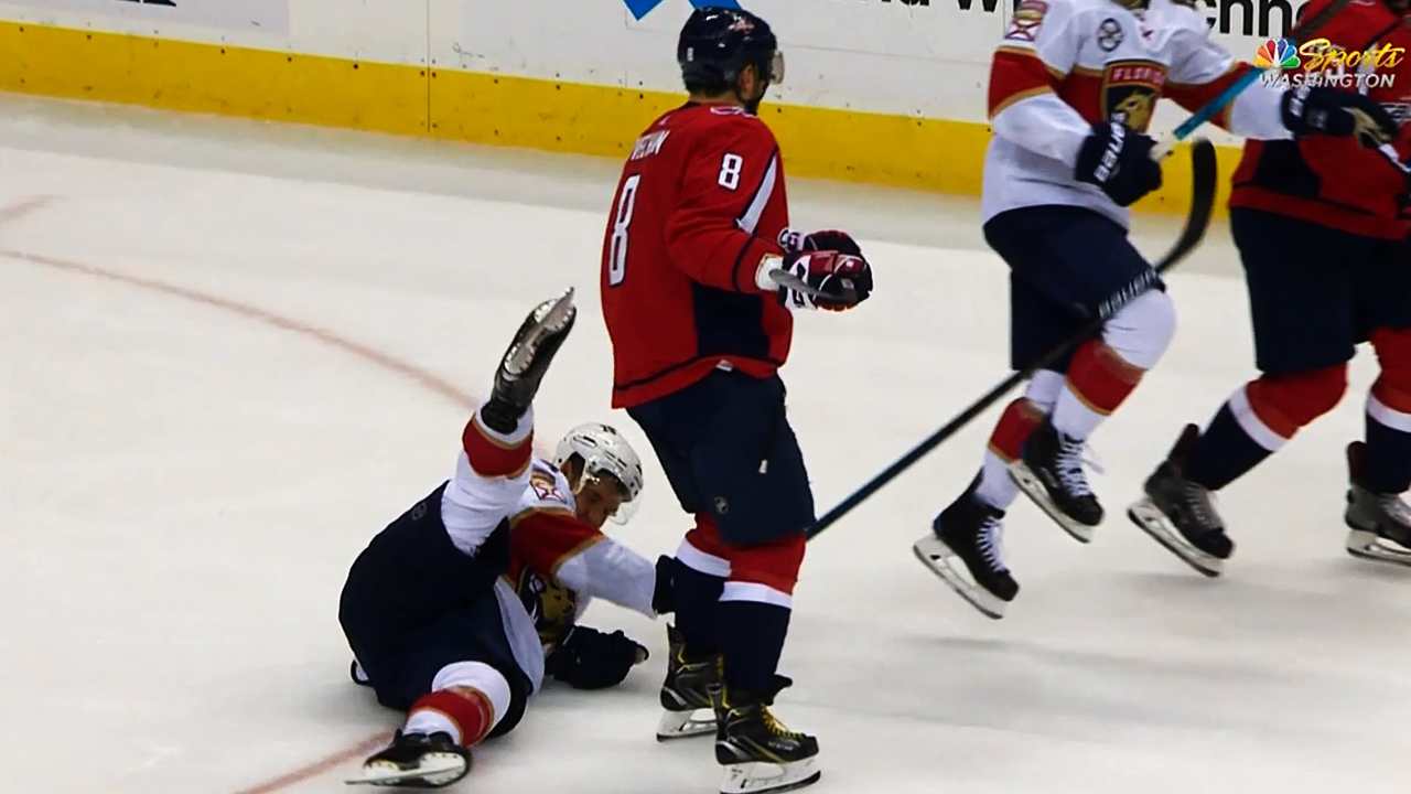 Alex Ovechkin levels Aleksander Barkov with open-ice hit