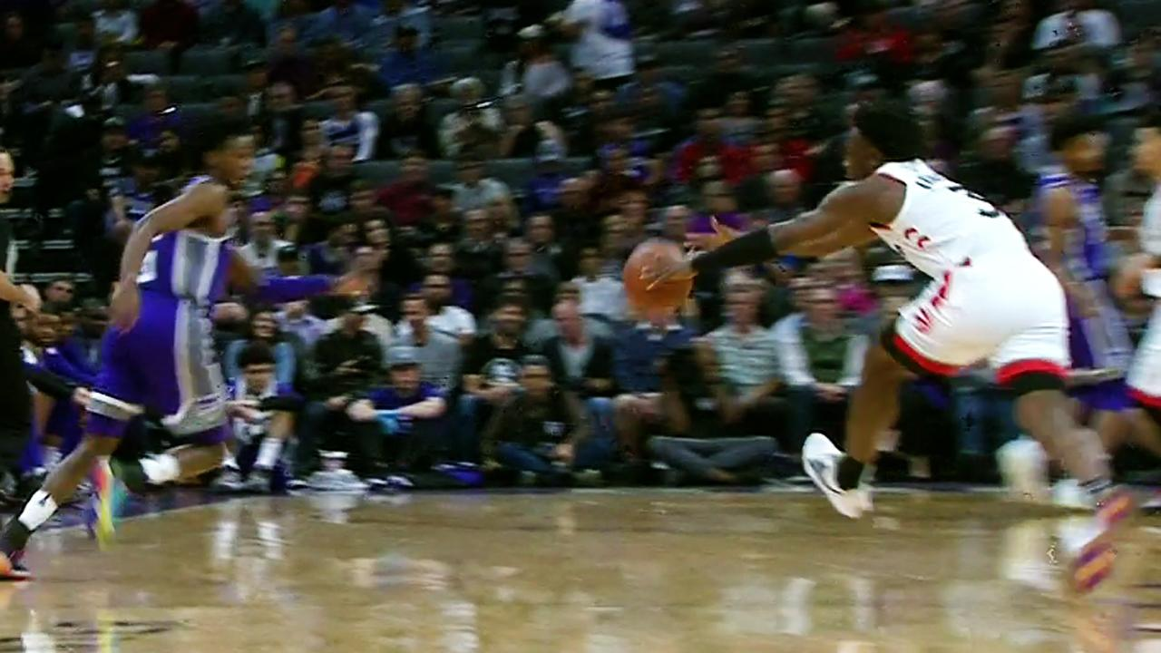 OG Anunoby pulls off no-look steal against Kings