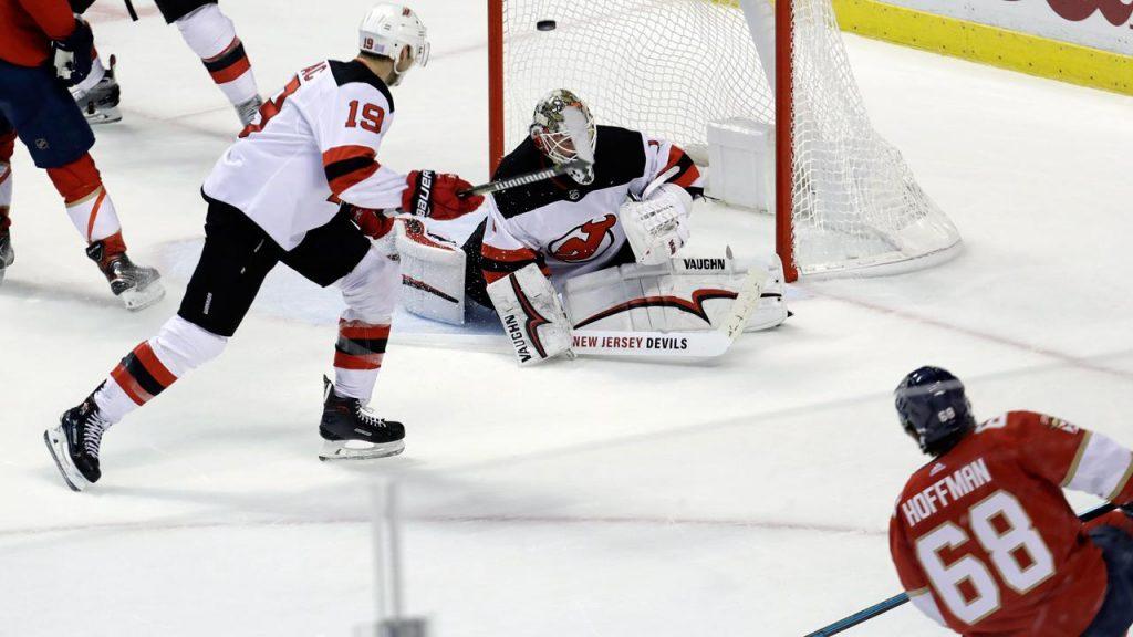 8ece877e6c4 Mike Hoffman scores OT winner as Panthers beat Devils - Sportsnet.ca