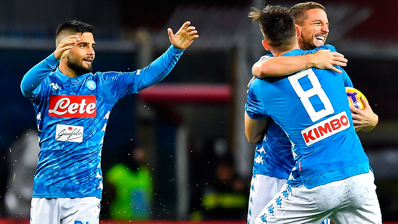 Napoli fights back to beat Genoa to stay close to Juventus