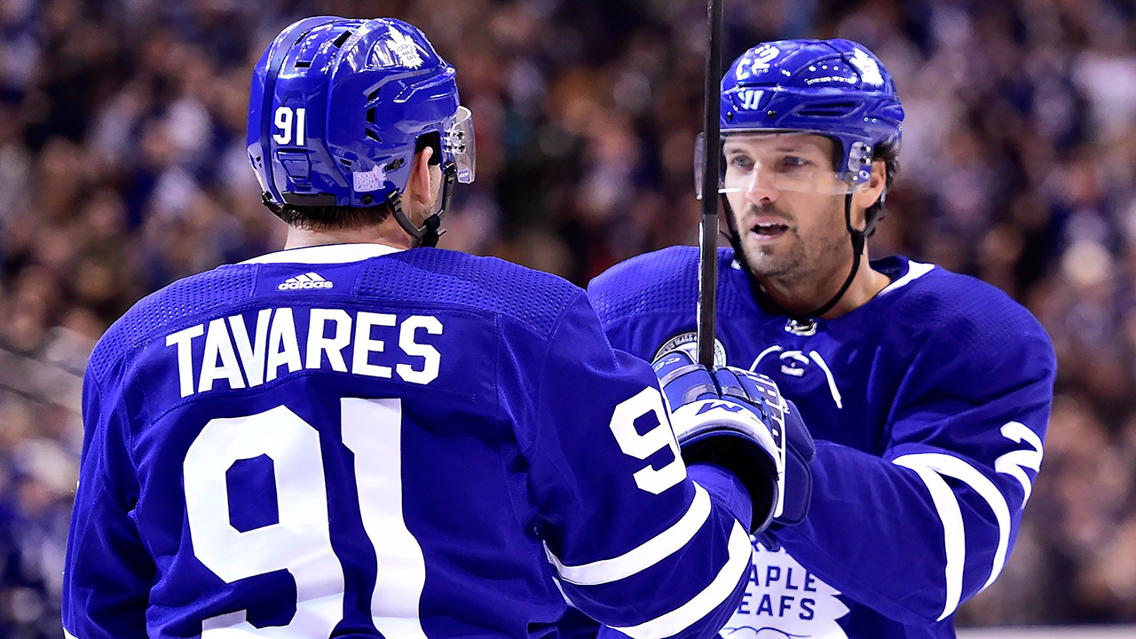 6a256364a Maple Leafs disassembles Devils for first back-to-back home win