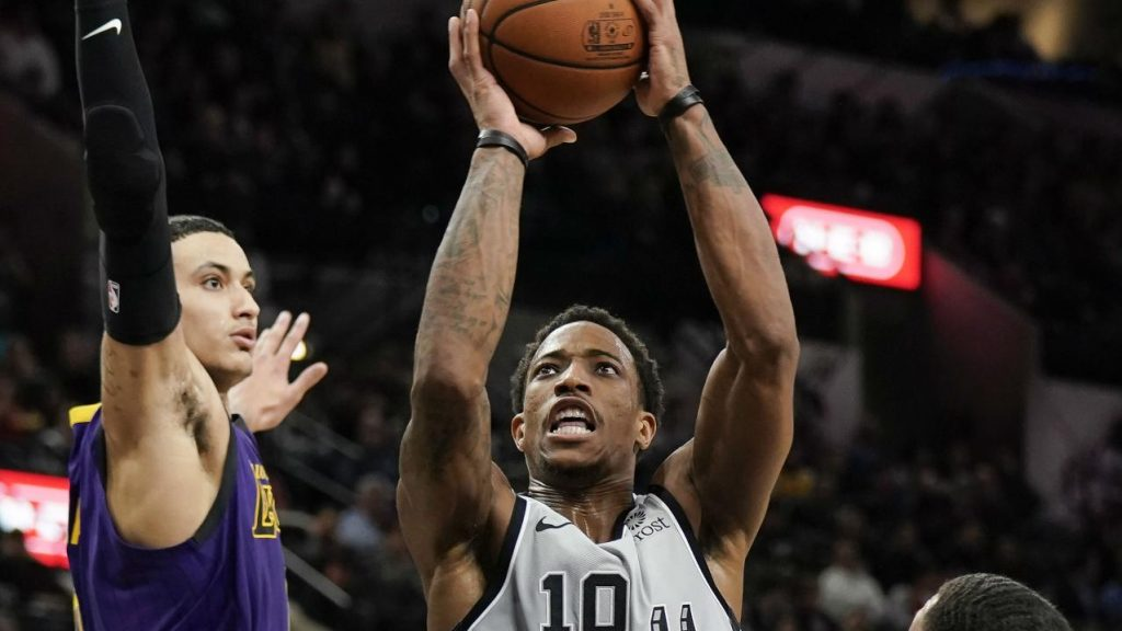 e436813b071 DeRozan finishes with game-high 36 points, Spurs thrash Lakers -  Sportsnet.ca
