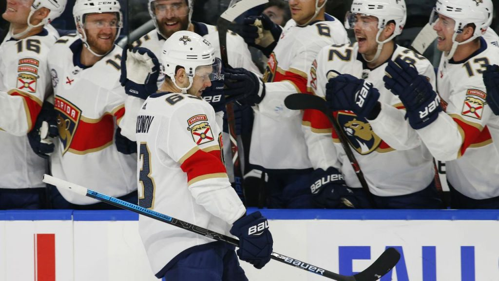 Panthers use four-goal third period to trounce Sabres - Sportsnet.ca 8fbd96643