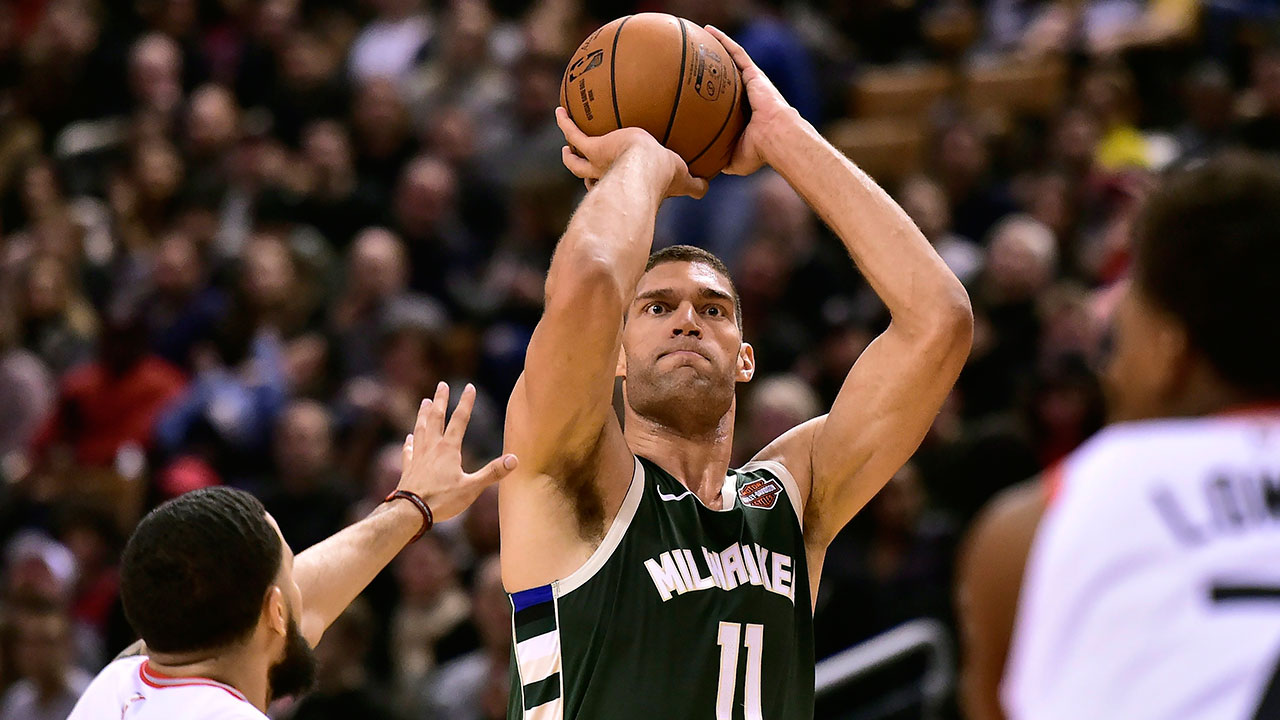 Nba-bucks-lopez-shoots-three-against-raptors