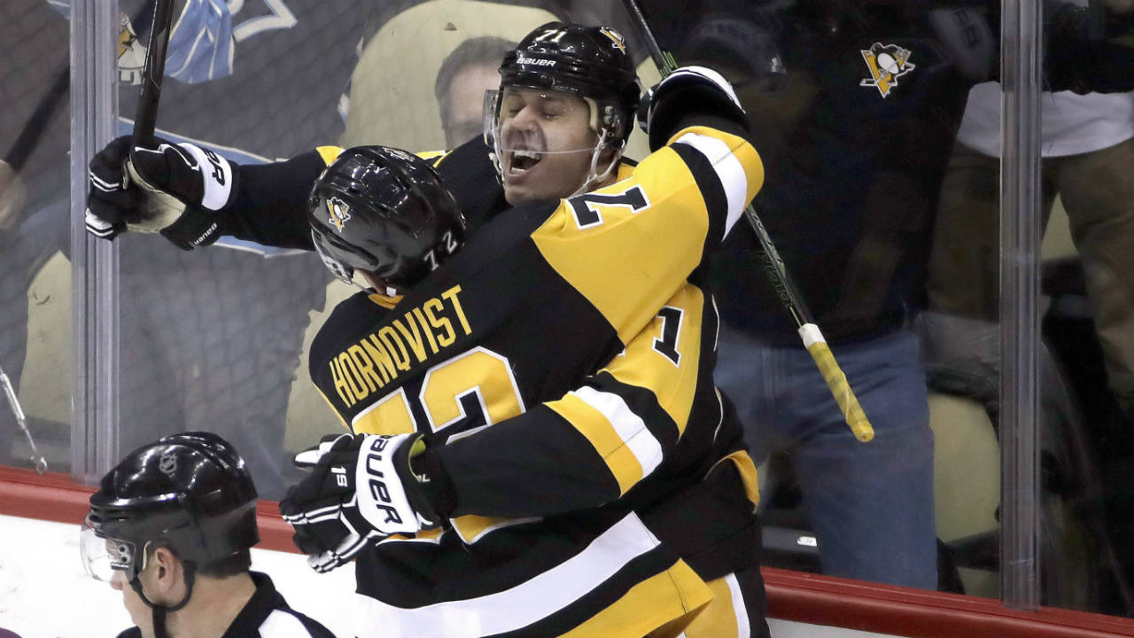 b13a901c245 Hornqvist s natural hat trick leads Penguins by Colorado - Sportsnet.ca