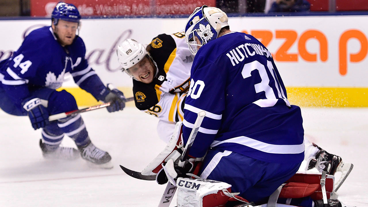 David Pastrnak powers Bruins over Maple Leafs