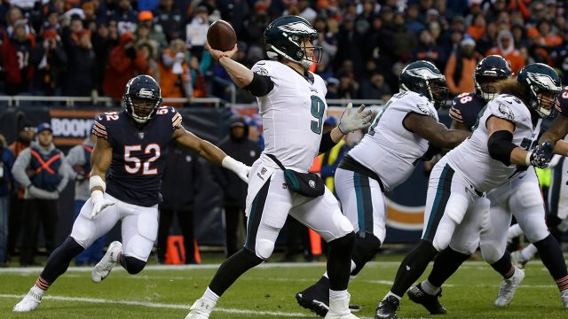 ealges-quarterback-nick-foles-throws-a-pass-against-the-bears