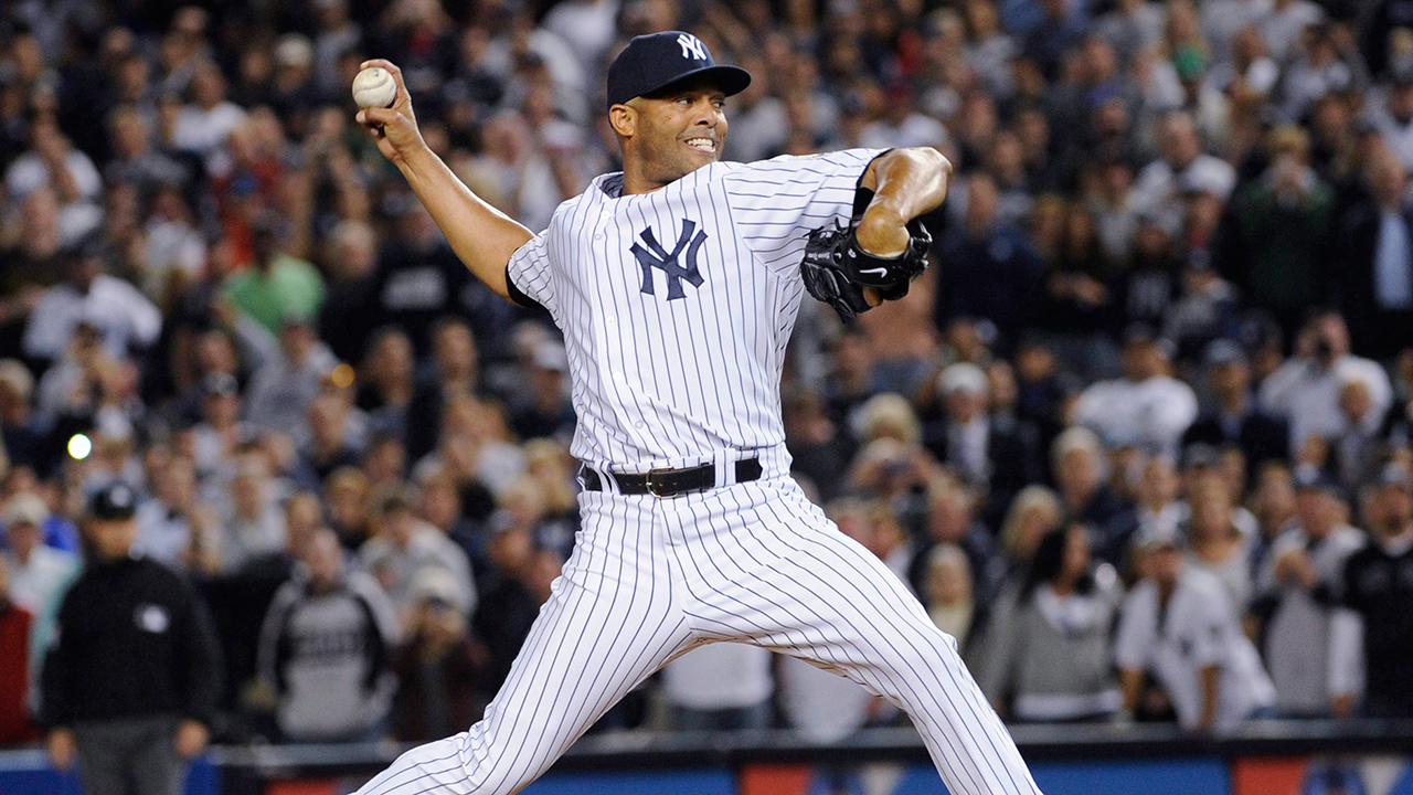 yankees-reliever-mariano-rivera-throws-a-pitch