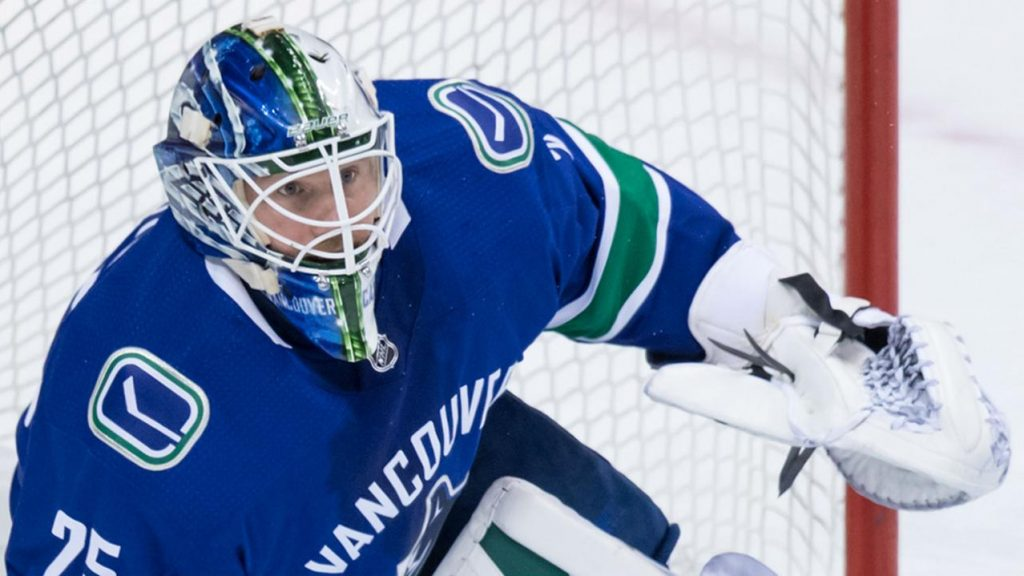 b3e1a7dbd Elias Pettersson lifts Canucks to shootout win over Flames - Sportsnet.ca
