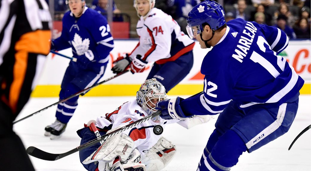 Capitals' Holtby, Maple Leafs' Andersen trade saves in wild sequence