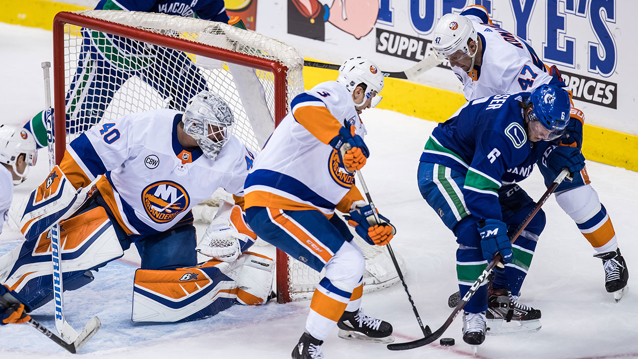 Red Hot Islanders Dominate Static Canucks System