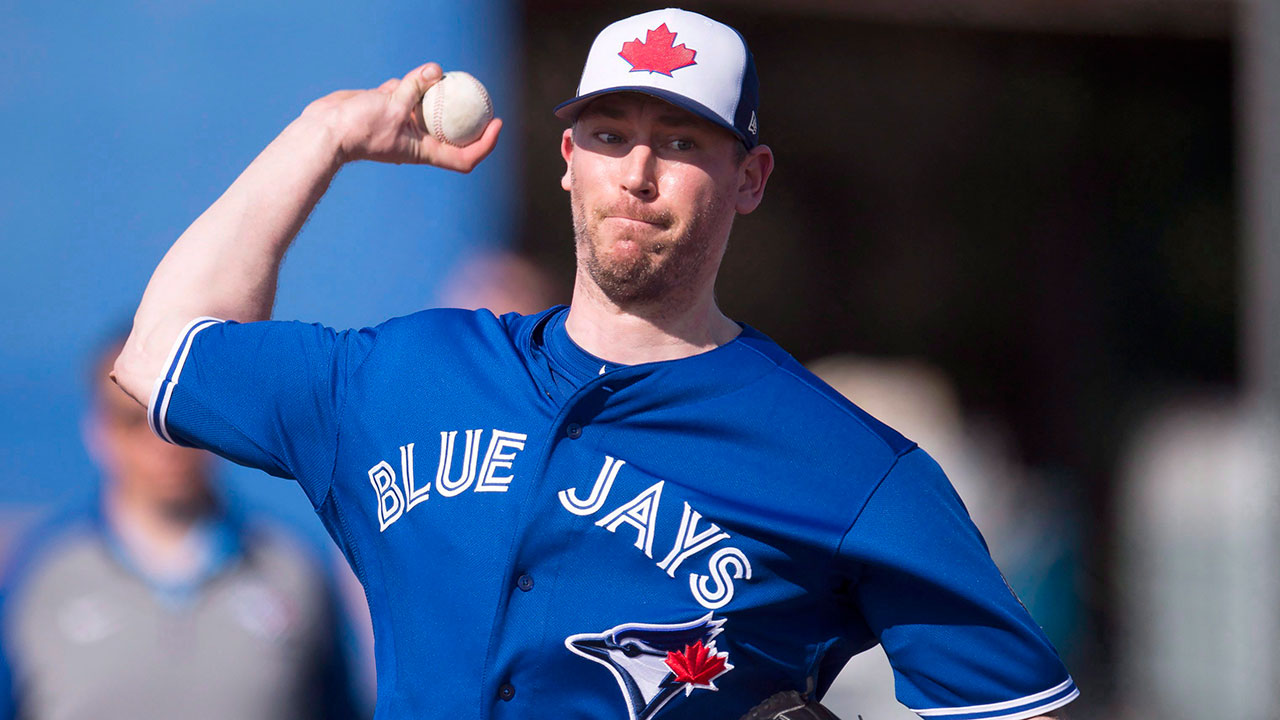 Blue Jays' Axford looking forward to mentoring young pitching staff