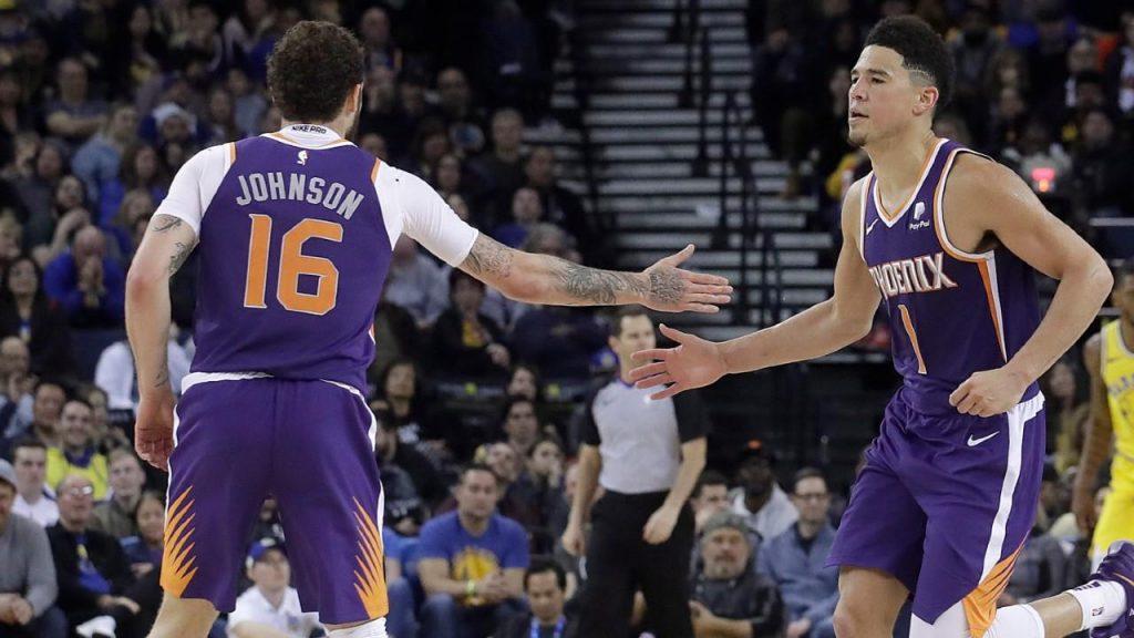 6274437242a7 Devin Booker solid as Suns upset Warriors - Sportsnet.ca