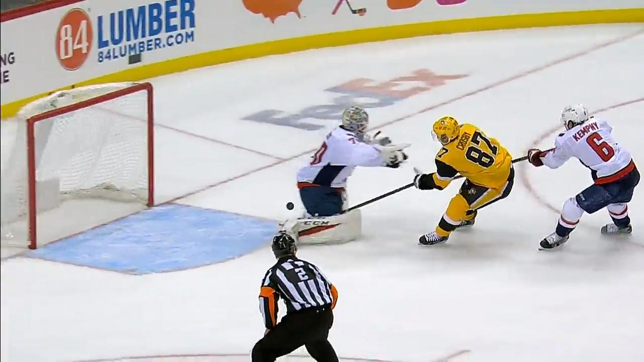 Holtby fails at checking Sidney Crosby and allows Penguins to score