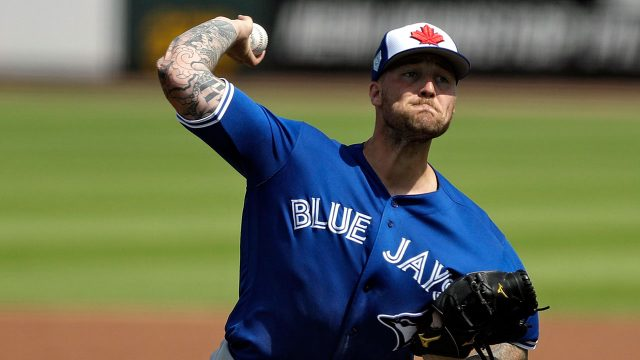 Blue-jays-reid-foley-pitches