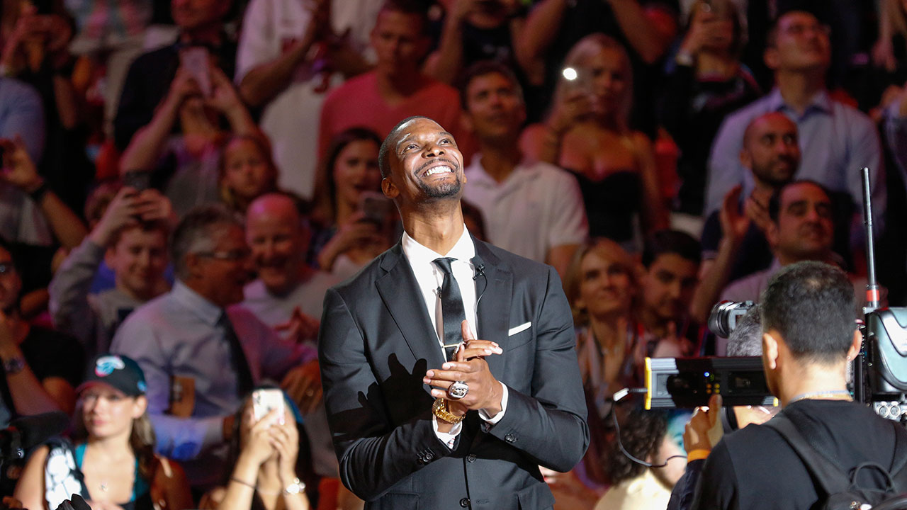 9a9e7752d48 Heat raise Chris Bosh s No. 1 jersey to the rafters - Sportsnet.ca