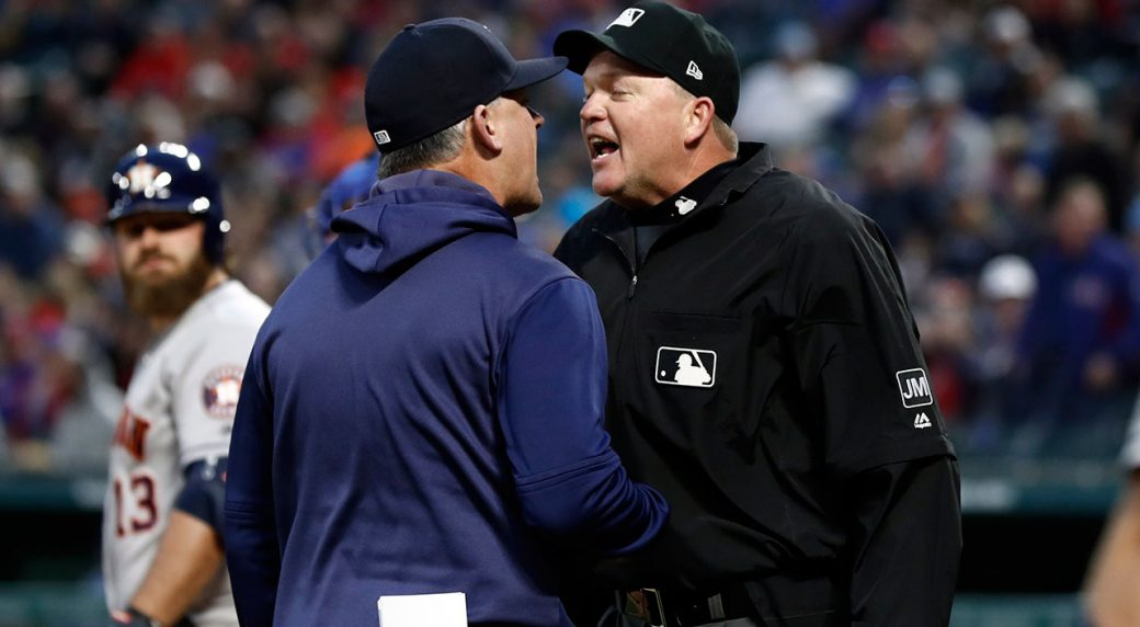 Astros manager, hitting coach tossed for arguing