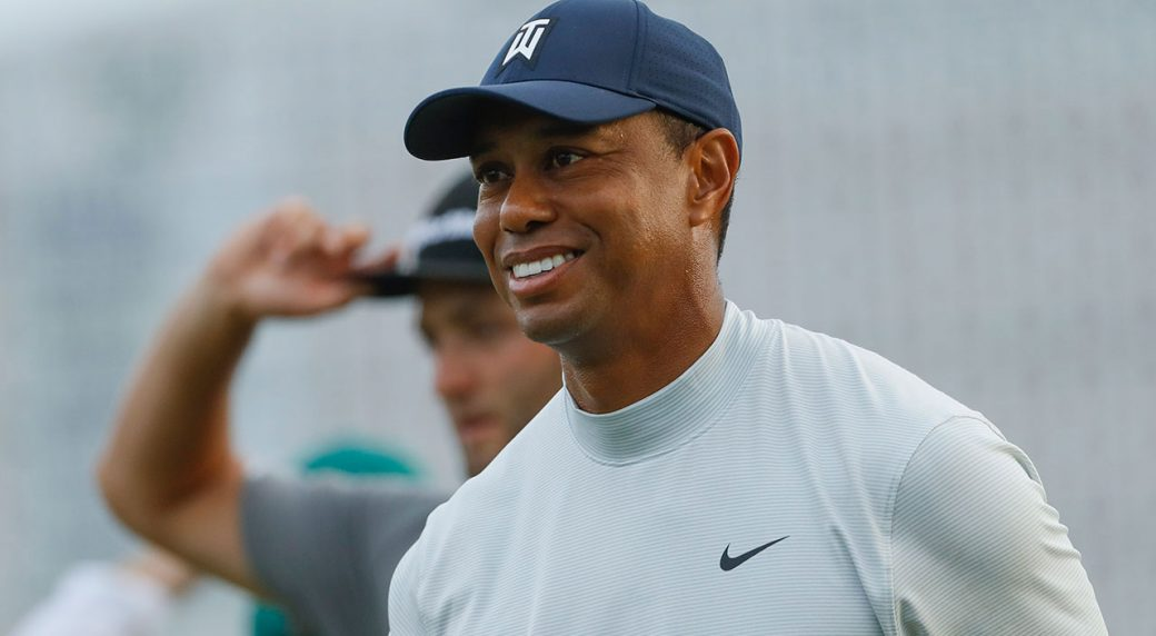 05456fb1045 Tiger Woods stays in mix with vintage performance at Augusta ...