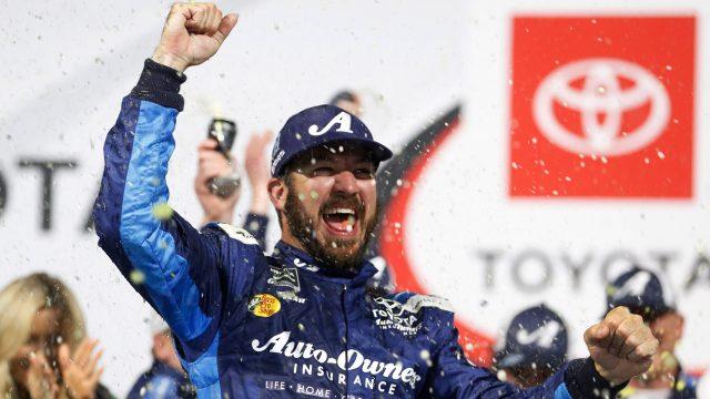 Martin-Truex-NASCAR