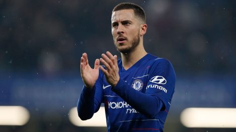 Soccer-Chelsea-Hazard-applauds-after-win