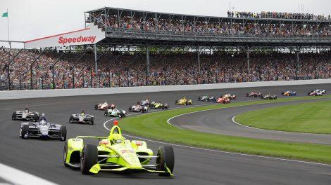 De Silvestro escapes car fire at Indy-500 practice