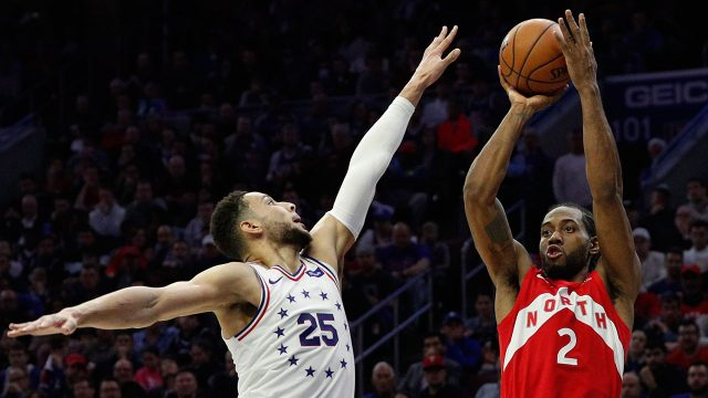 159f8d07948f Kawhi Leonard gives Raptors life in old-school Game 4 win over 76ers