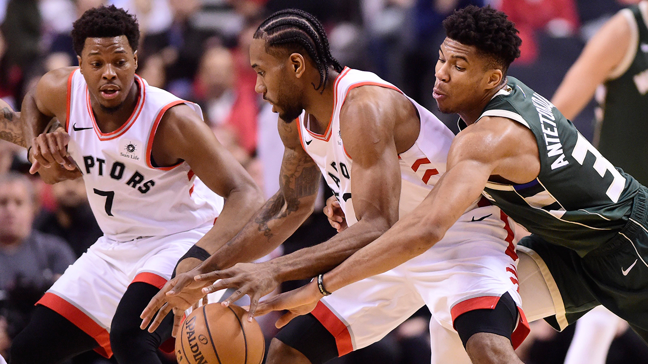 Raptors' Nick Nurse on Kawhi Leonard's health: 'He looks OK to me'