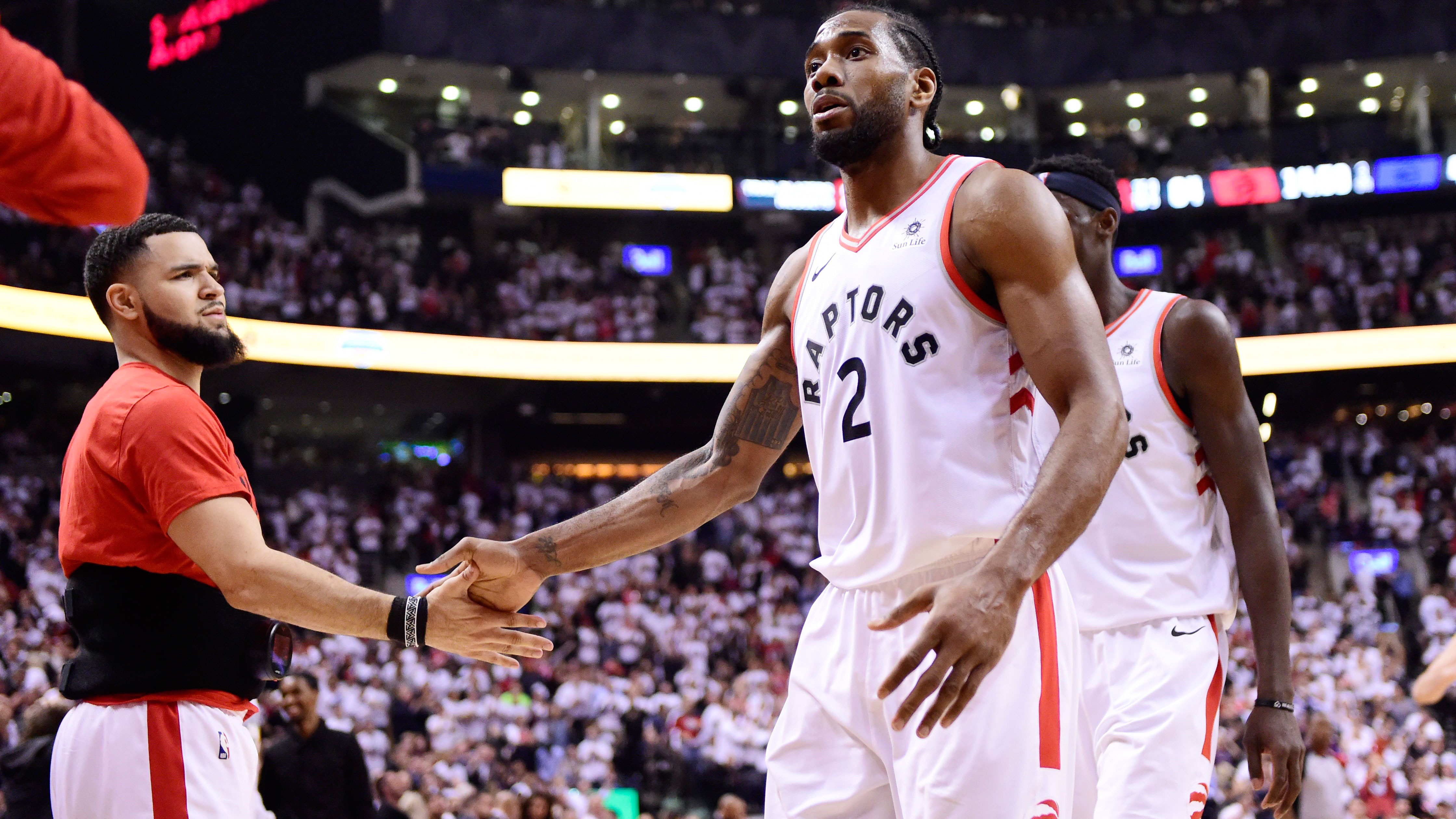 e2a404688e9 Leonard s co-stars step up as Raptors outshine 76ers in Game 5 ...