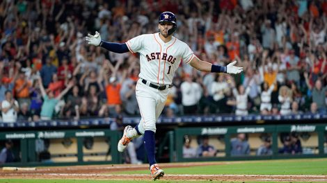 MLB-Astros-Correa-celebrates-RBI-single