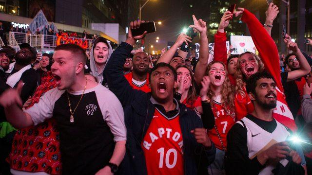 NBA-Raptors-fans-celebrate-win-in-Jurassic-Park
