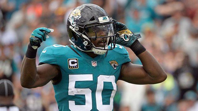 NFL-Jaguars-linebacker-Telvin-Smith-celebrates-after-sack