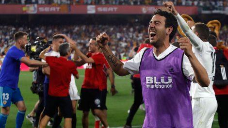 Soccer-La-Liga-Valencia-celebrates-winning-copa-del-rey