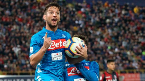 Soccer-Napoli-Mertens-celebrates-after-scoring