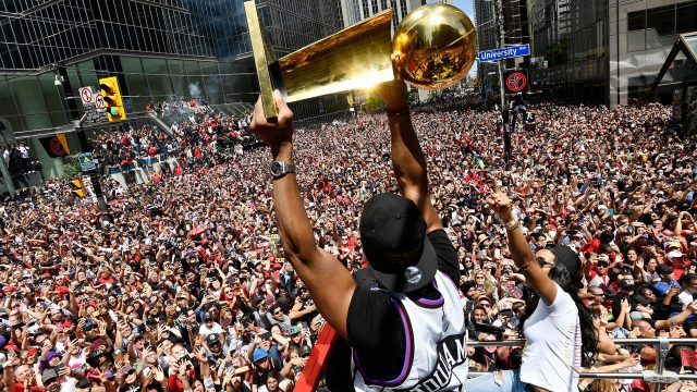 Kyle-Lowry-parade-trophy
